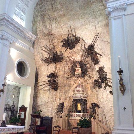 Valokuva: Santuario Basilica Madonna della Corona