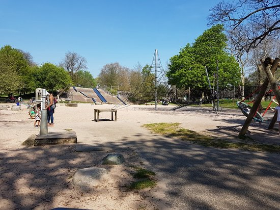 Victoria Park: 20180419_140114_large.jpg