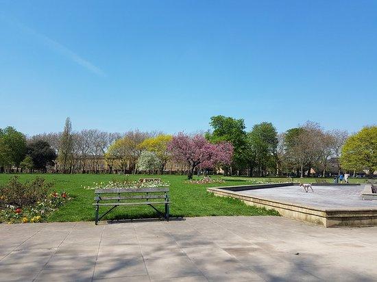 Victoria Park: 20180419_131905_large.jpg
