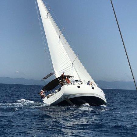 Fair Wind Yacht Charter: The Apollo Bay Sailing Club aboard Fair Wind and Wild Wind.