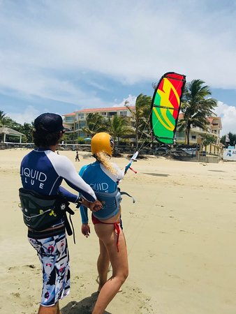 Liquid Blue Cabarete Water Sports Center: Kiteboarding is fun - try it!