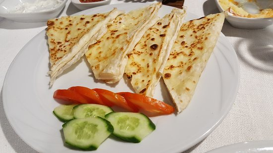 Organic Cave Kitchen: Cheese filled crepes