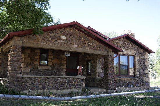 Heber, AZ: The Rock House was built in the 1930's by friends and family of Wilmer and Zina Porter.
