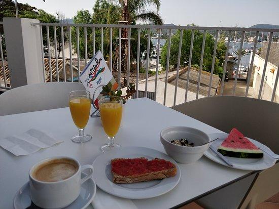 Hotel Es Mitjorn: Desayuno
