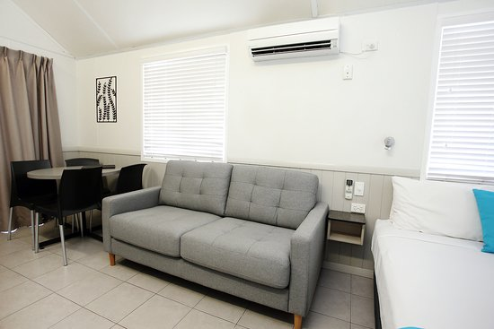 BIG4 Rowes Bay Beachfront Holiday Park: Oceanview Villa