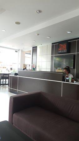 Modern Thai Hotel Image