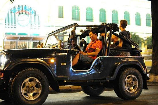 Private Jeep Tour Saigon de noche