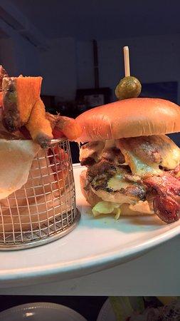 No. EIGHT Restaurant: bid eight burger