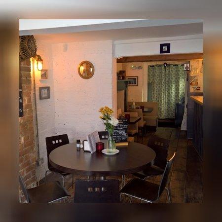 No. EIGHT Restaurant: interior