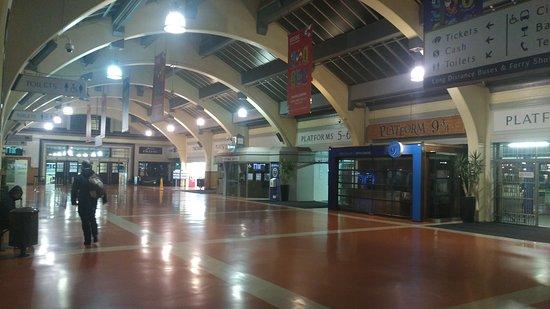 Wellington Railway Station: Station interior shot.