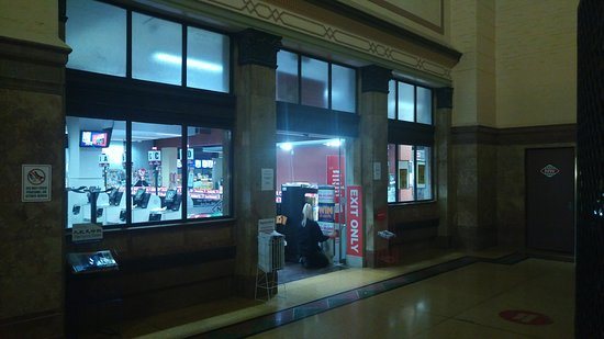 Wellington Railway Station: Full service grocery store in the train station.