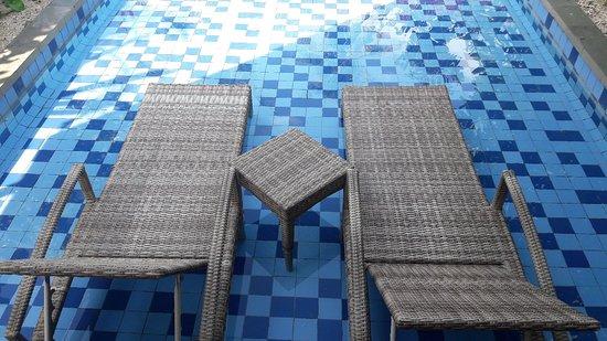 吉里艾尔礁湖度假村照片