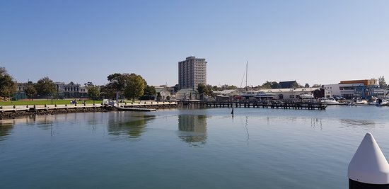 Port Phillip, Australia: Picturesque view of Williams Town Harbour from the pier