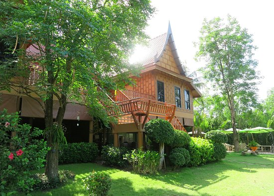 Asita Eco Resort: พื้นที่ชั้นบนเป็นห้องพักและสถานที่จัดพิธีแต่งงานได้ครับส่วนชั้นล่างเป็นห้องอาหารเช้าครับ