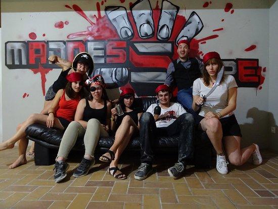 MadnesScape : Petite photo de groupe à la fin de l'escape !! :O