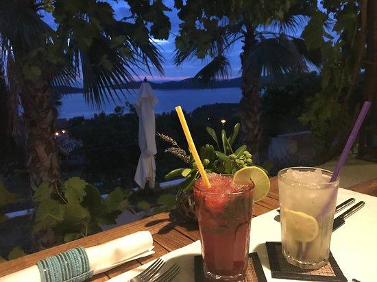Brsecine, Croatia: Dîner en amoureux avec vue sur mer
