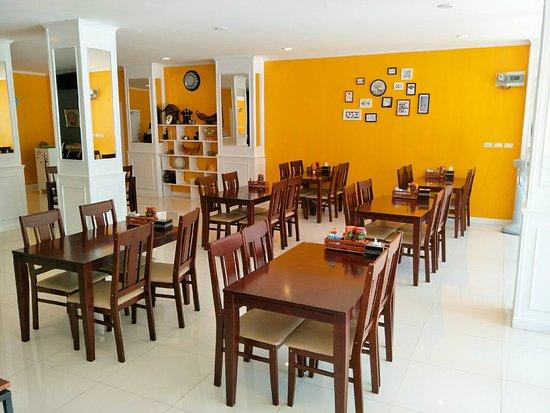 Phaithong Sotel Resort: Restaurant