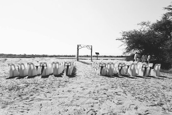 Tiger Safaris: Ceremony spot on the sand bank.
