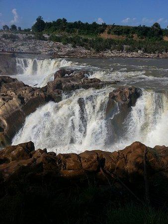 Bhedaghat Jabalpur ( Mesmerizing Water Falls)