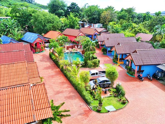 Phaithong Sotel Resort: Surrounding
