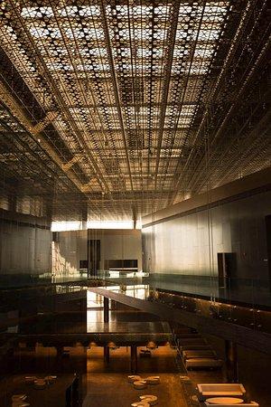 Selcuklu Kongre Merkezi Konya: Fuar ve etkinlik alanları toplam 10,000 m2 alana sahiptir.