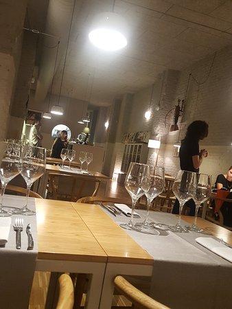 Gatblau Restaurant: Intimidad, sobriedad, calidez