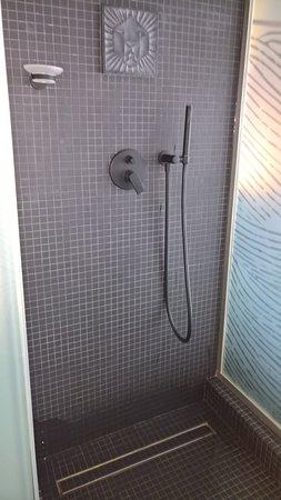 Heerlijk grote douche