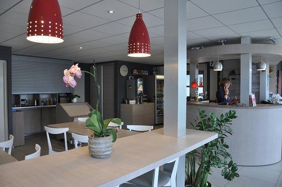 Fasthotel Toulouse Blagnac Aeroport: RECEPTION /SALLE PETIT DEJEUNER