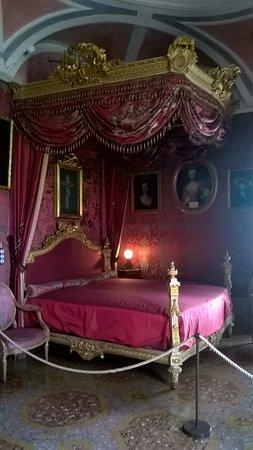 Castello e Parco di Masino: Camera da letto del Viceré