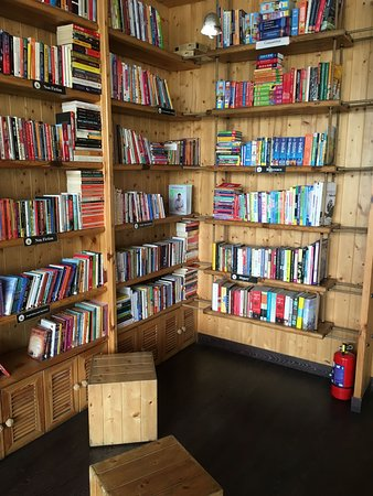 The Reader's Cafe: books