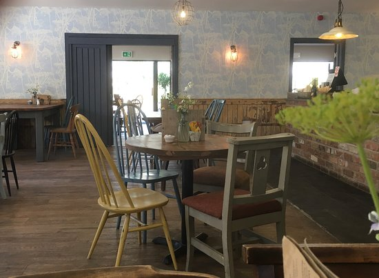 Scorton, UK: A relaxed country atmosphere in our tearoom