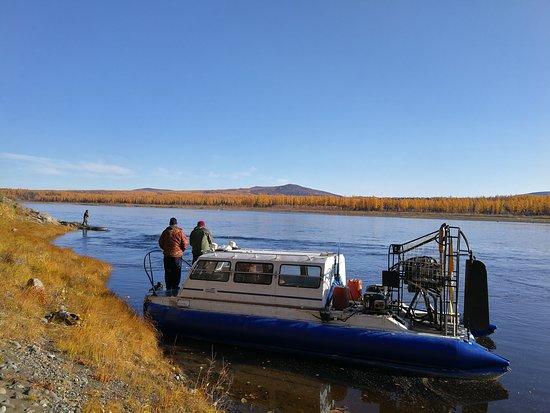 Fishing Tour in Siberia: 中俄两国伙伴们