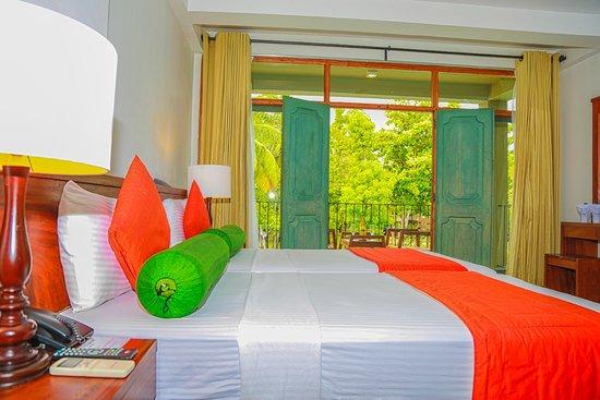 壁画水上别墅酒店照片