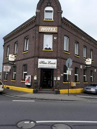 Grevenbroich, Almanya: Hotel Eingang