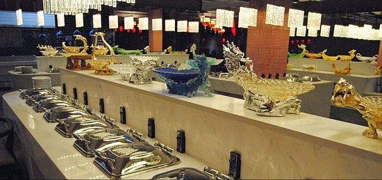 Hong Buffet: Chinese and Thai station