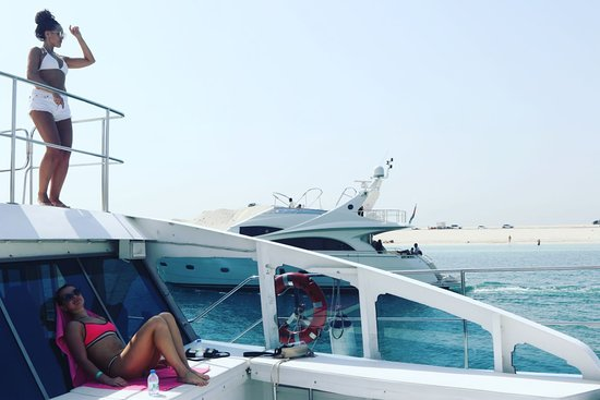 Party Yacht Trip El Mundo Dubai Catamaran Yacht Best Trip For Party