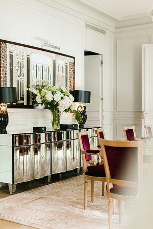 Le Royal Monceau - Raffles Paris: Raffles Presidential Suite dining area