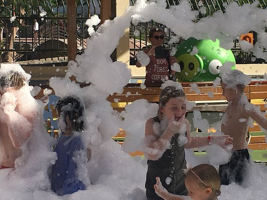 Angry Birds Activity Park Gran Canaria: Foam parties Every Day in July & August 2018
