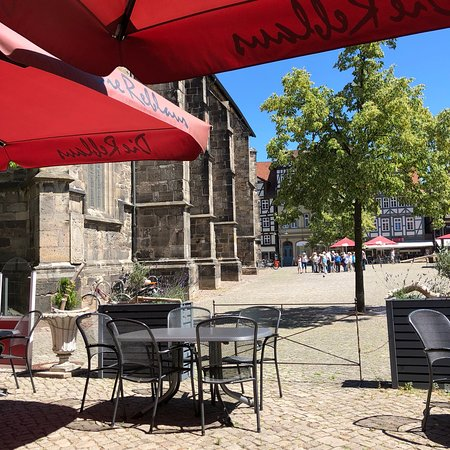 Hannoversch Münden, Duitsland: Jättemysig lunch på det lilla torget!