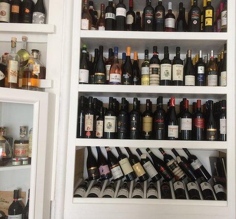Il Vico del Gusto: Wine, wine and more wine!