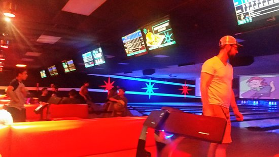Wallington, NJ: Bowling Lanes