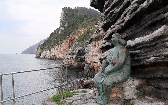 Statua Mater Naturae