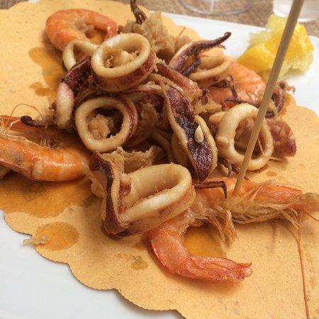 La Piazzetta Fish Bar: Fried seafood