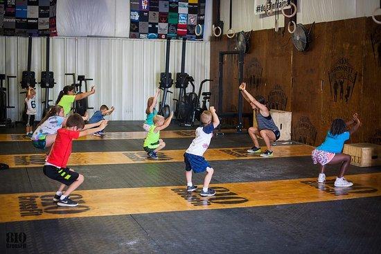 810 CrossFit: CrossFit Kids!