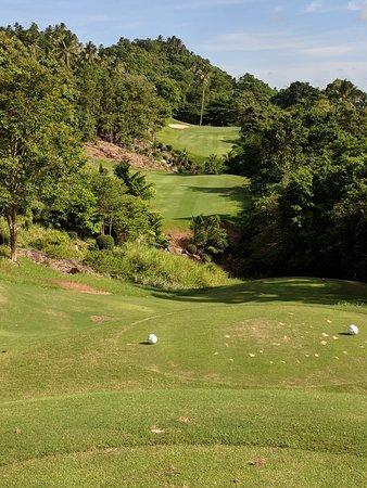 Santiburi Samui Country Club: Typical par four