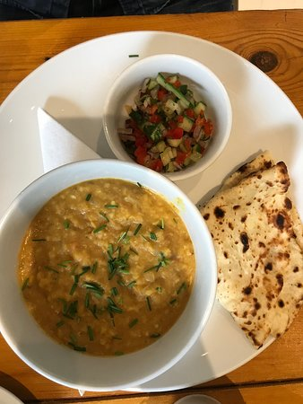 Whole Earth Cafe: Linsen Dal