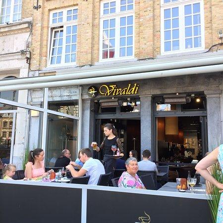 Vivaldi Restaurant & Tea Room: Nice tea
