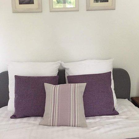 La Petite Maison au Coin: Our room so restful