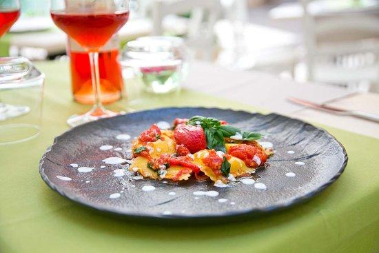 Note di Sapori: Scrigni di burrata, con pomodorino pizzutello e basilico