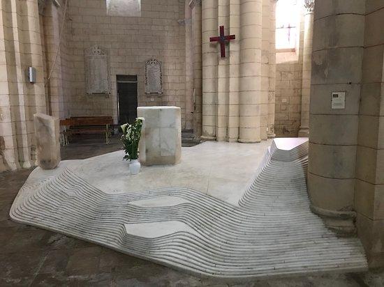 The Famous Modern Interior - Picture of Eglise Saint Hilaire, Melle ...